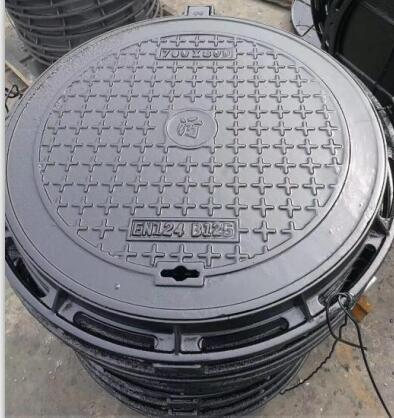 En124 C250 And D400 Ductile Cast Iron Manhole Cover From